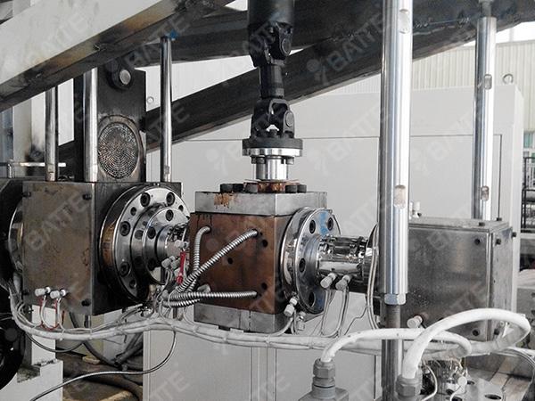 PP片材用熔体泵客户安装调试现场